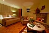 Aberdare country club vip suite bedroom, Kenya