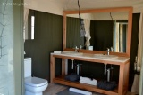 Simbavati hilltop lodge bathroom