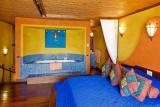 Serengeti Sopa Lodge, suite bedroom