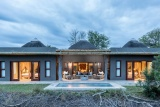 Bush lodge - luxury villa by night