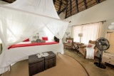 Kambaku safari lodge guest bedroom