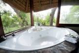 Kambaku river sands bathroom