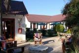Journey's Inn Africa - courtyard