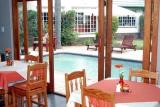 Journey's Inn Africa dining