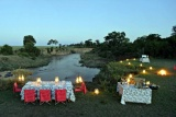 Alfresco dining, bateleur camp