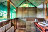 Camp-moremi-guest-intent-bathroom