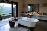 Phinda mountain lodge bathroom