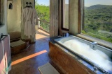 Phinda rock lodge bathroom