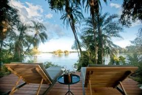Thorntree River Lodge - Drinks on Deck