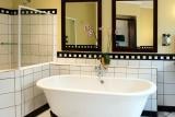 Perrys bridge family suite bathroom