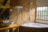 Meru bathroom, arumeru river lodge