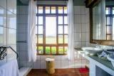 Ngorongoro farmhouse bathroom