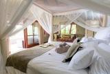 Kambaku safari lodge bedroom