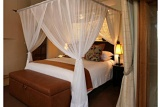 Luxury safari-style bedrooms, Impodimo Game Lodge