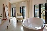 Bathroom 2 rouge-on-rose